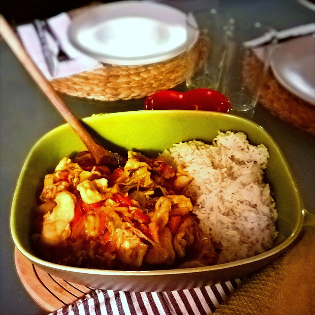 Pollo e verdure in salsa di soia
