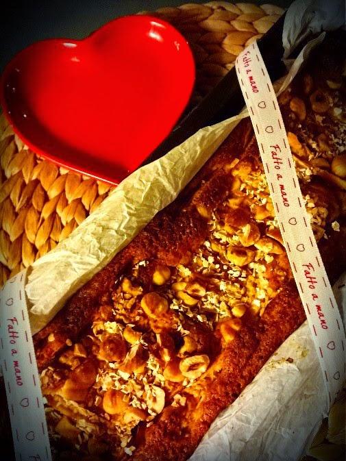 Cake alle mele nocciole e avena