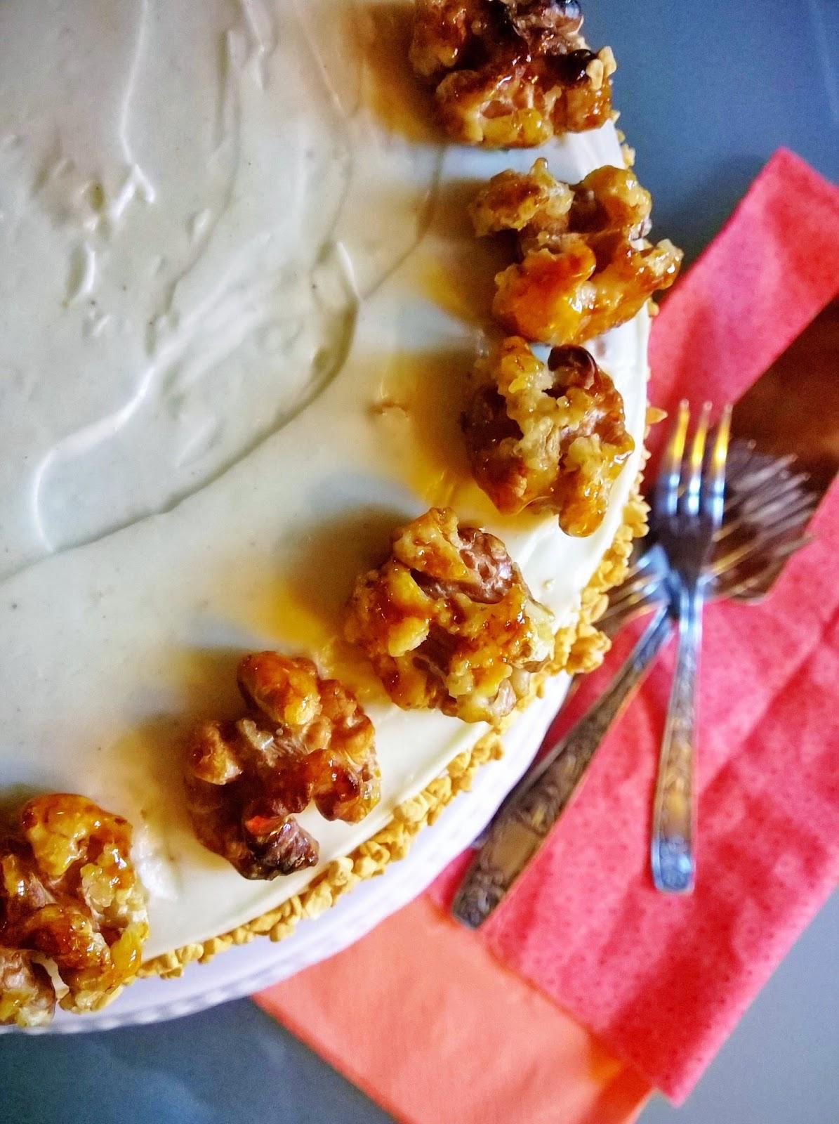Torta speziata alle carote con glassa allo sciroppo d'acero