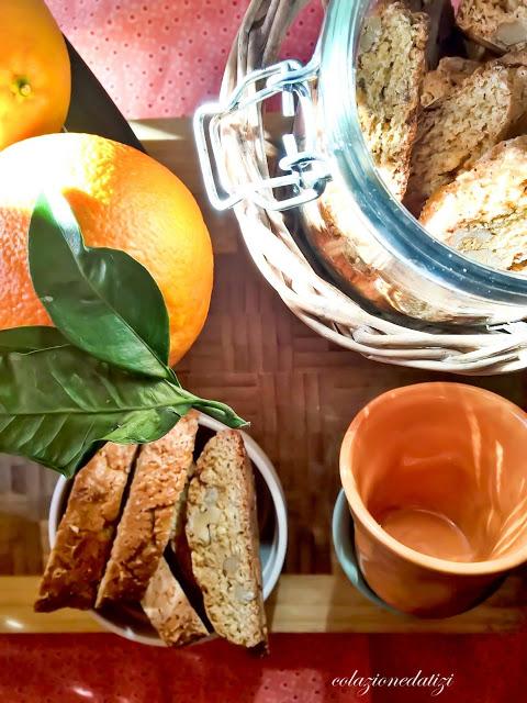 cantucci noci e arancia