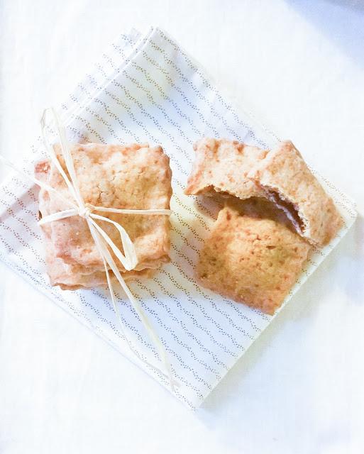raviole con farina di riso e marmellata di more