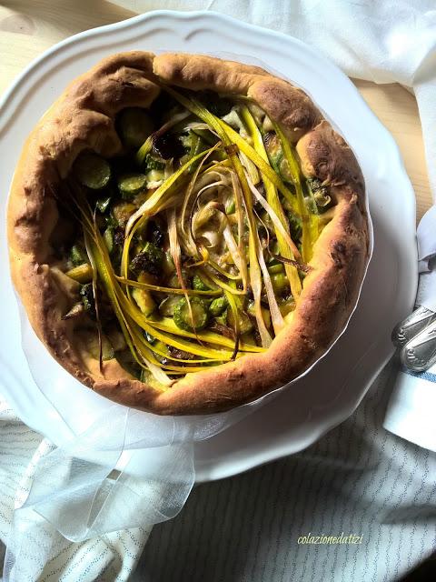 Torta salata di pasta brioche alle zucchine e porri