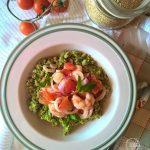 Quinoa con crema di avocado e gamberi in agrodolce