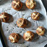 Laugenbrot – pretzel buns – Re-cake #30
