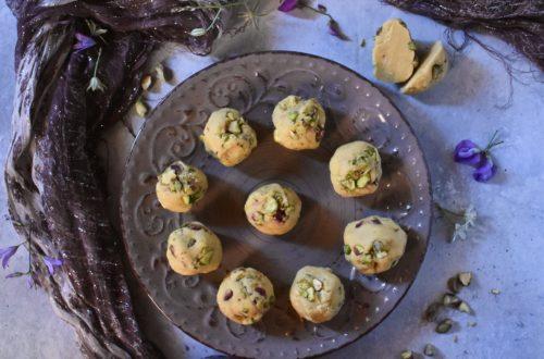 besan ladoo ai pistacchi