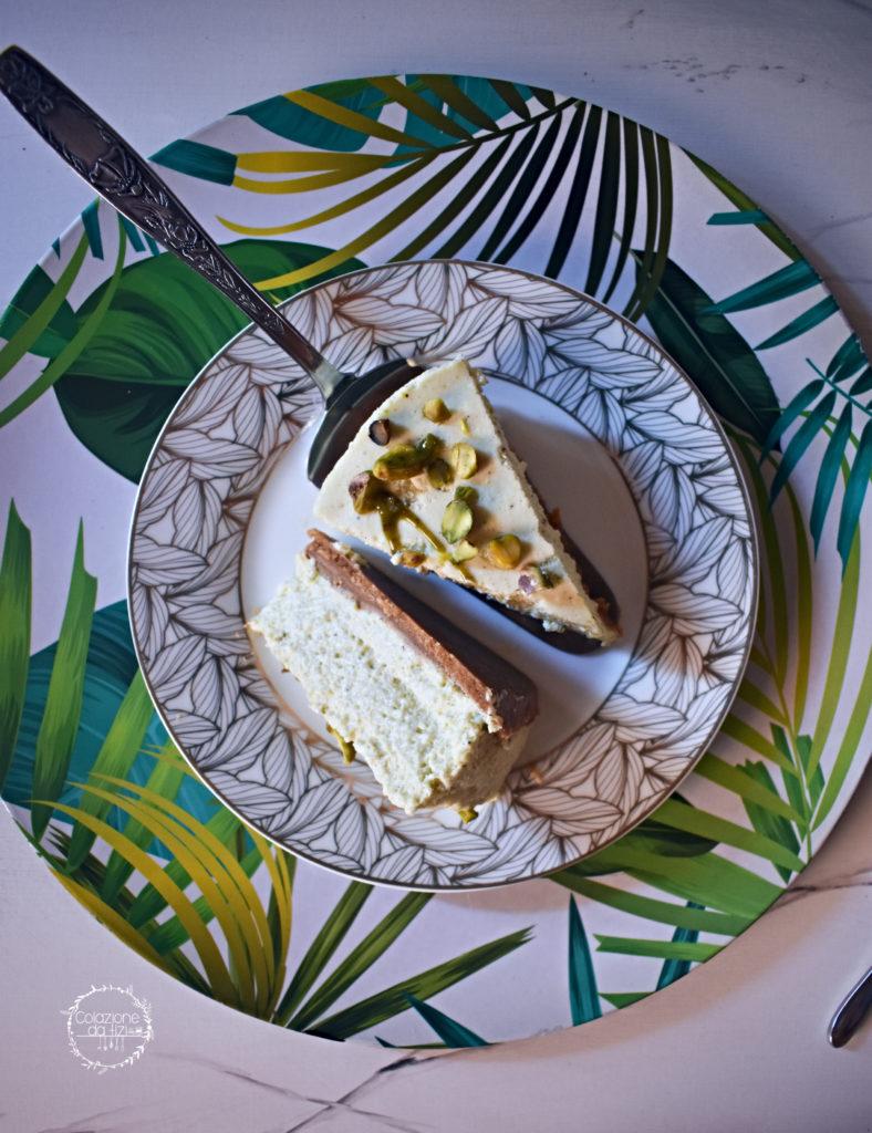 torta senza cottura ricotta meringa pistacchio fetta