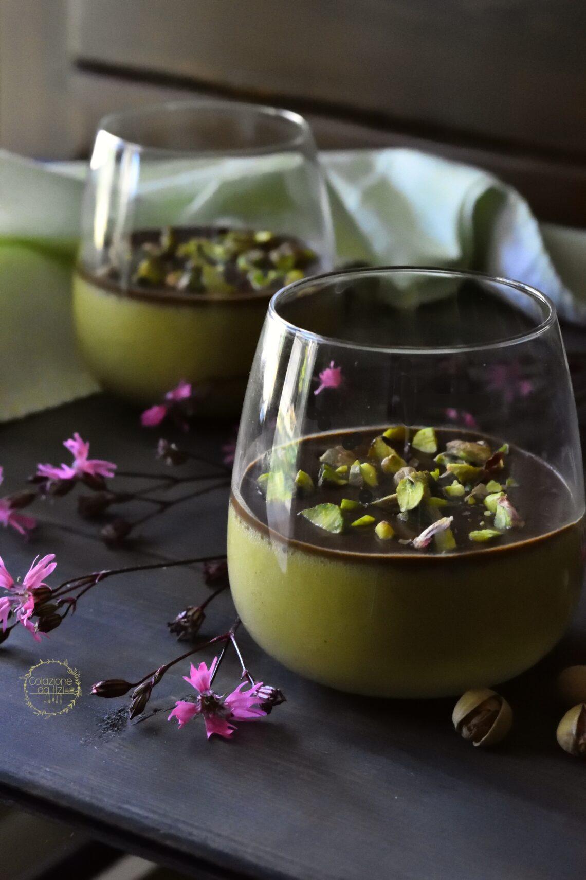 mousse al pistacchio e cioccolato fondente)