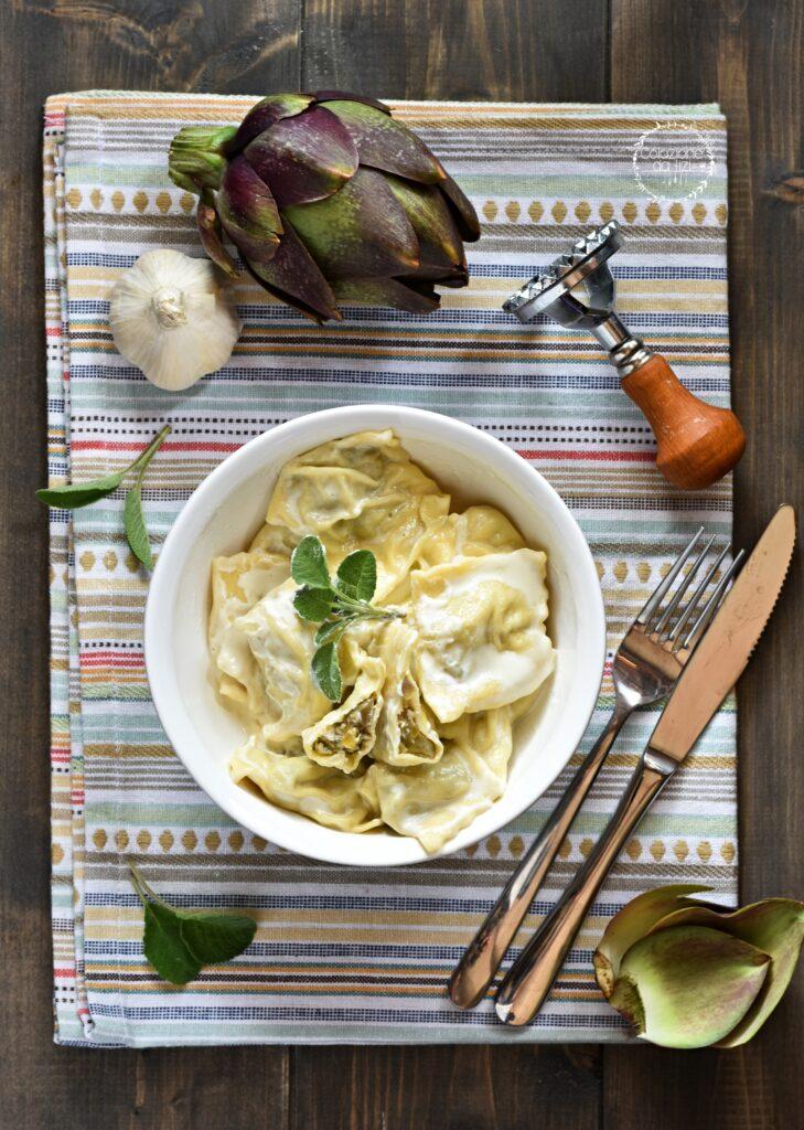 ravioli carciofi con crema parmigiano